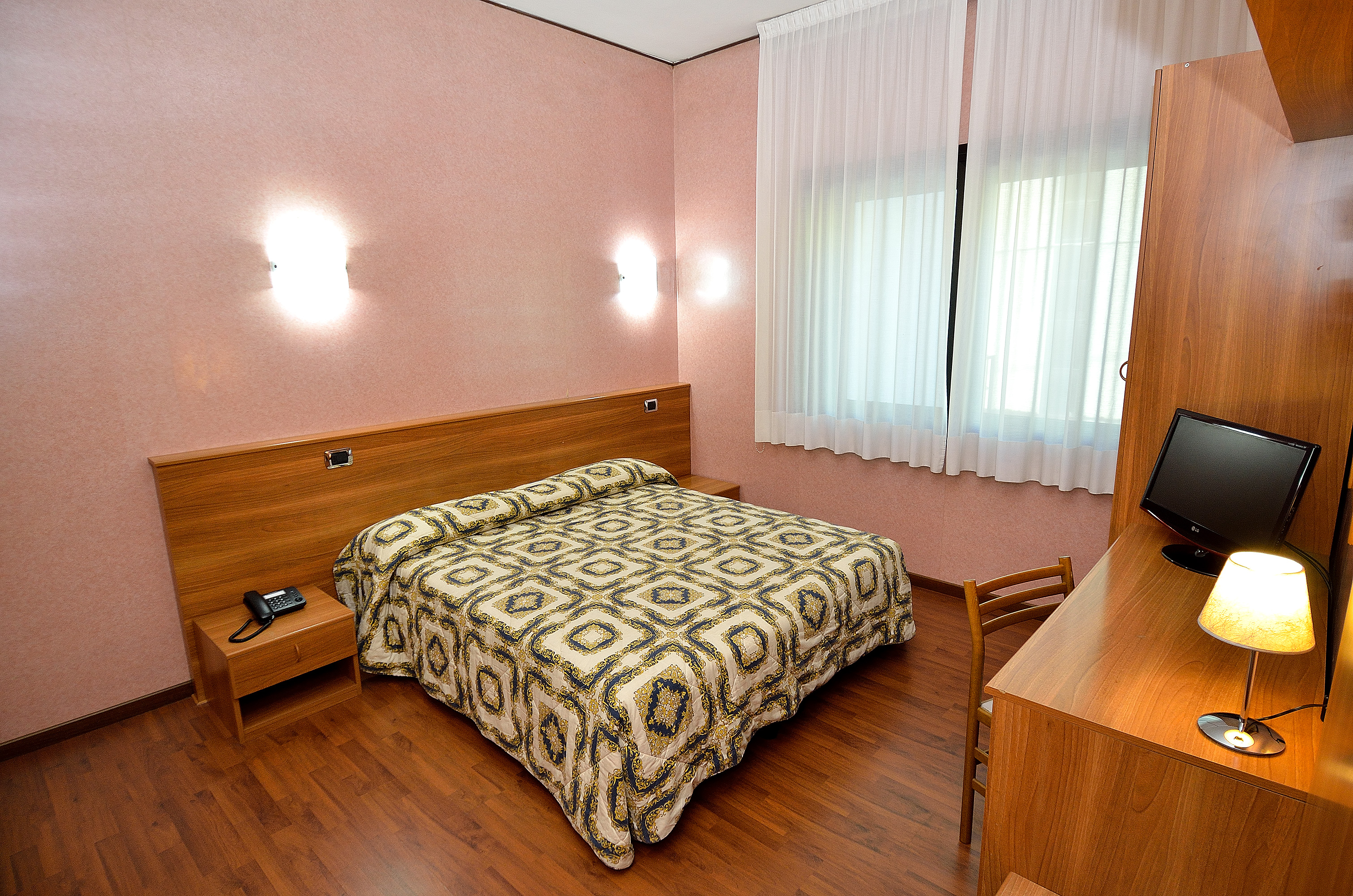 Hotel Nuova Mestre - Venice Italy - Official Site
